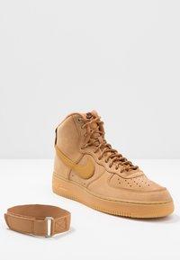 Nike Sportswear - AIR FORCE 1 - Baskets montantes - flax/wheat - 5