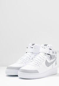 Nike Sportswear - AIR FORCE 1 - Sneakers hoog - white/wolf grey/dark grey/black - 1