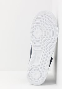 Nike Sportswear - AIR FORCE 1 MID '07 - Sneakers hoog - midnight navy/white - 4
