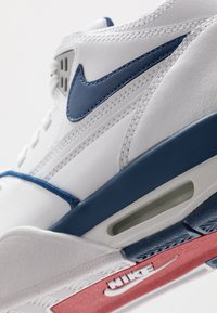 Nike Sportswear - AIR FLIGHT 89 - Korkeavartiset tennarit - white/dark royal blue/varsity red - 8