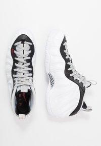 Nike Sportswear - AIR FOAMPOSITE PRO - Sneakers alte - white/black/university red/metallic platinum - 2