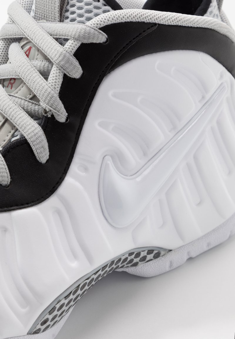 Nike Sportswear AIR FOAMPOSITE PRO - Høye joggesko - white/black/university red/metallic platinum