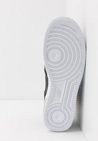 Nike Sportswear - AIR FORCE 1 '07  - Vysoké tenisky - black/white - 4
