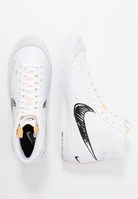 Nike Sportswear - BLAZER MID VNTG '77 - Baskets montantes - white/black - 1