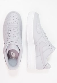 Nike Sportswear - AIR FORCE - Sneakers basse - wolf grey/white