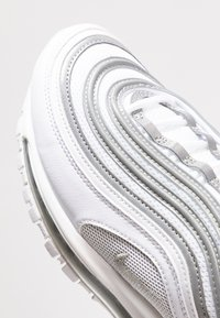Nike Sportswear - AIR MAX 97 - Sneakersy niskie - white/reflect silver/wolf grey - 5