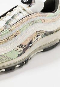 Nike Sportswear - AIR MAX 97 - Sneakersy niskie - sail/white/black/team orange - 5