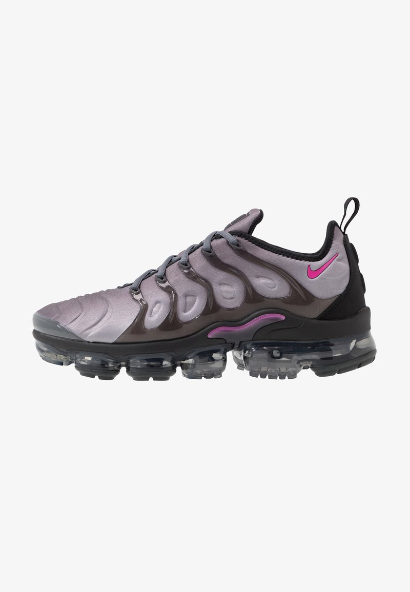 Nike Sportswear - AIR VAPORMAX PLUS - Matalavartiset tennarit - atmosphere grey/active fuchsia/dark grey/anthracite/black/reflect silver