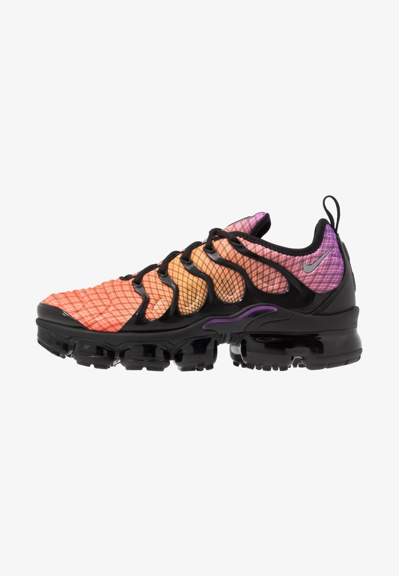 Nike Sportswear - AIR VAPORMAX PLUS - Sneaker low - bright crimson/reflect silver/hyper violet/bright ceramic/black/white