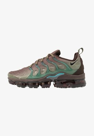 AIR VAPORMAX PLUS - Tenisky - medium olive/black/baroque brown/ teal