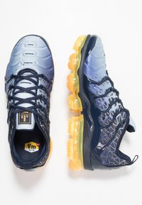 Nike Sportswear - AIR VAPORMAX PLUS - Baskets basses - obsidian/laser orange/indigo storm/deep royal blue - 1