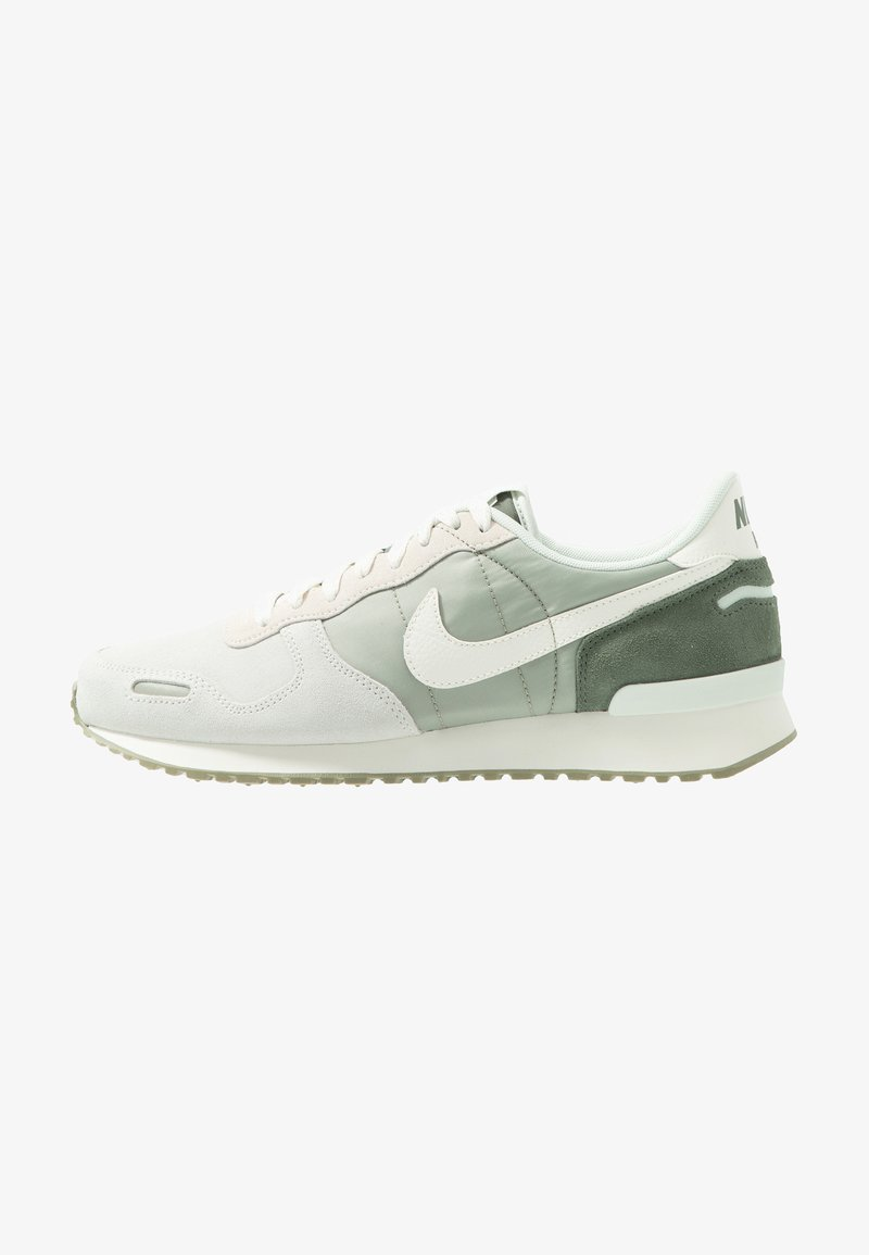 Nike Sportswear - AIR VRTX SE - Trainers - spruce aura/sail/vintage lichen/spruce fog