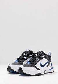 Nike Sportswear - AIR MONARCH IV - Sneakers laag - black/white/racer blue - 2