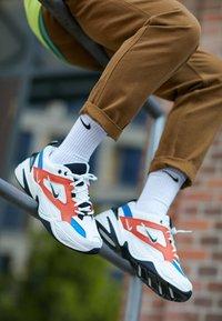 Nike Sportswear - M2K TEKNO - Sneakersy niskie - summit white/black/team orange/mountain blue - 7