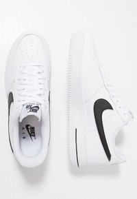 Nike Sportswear - AIR FORCE 1 '07 - Sneakersy niskie - white/black - 1