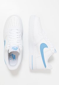 Nike Sportswear - AIR FORCE 1 '07 - Sneakersy niskie - white/university blue