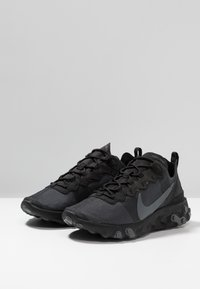Nike Sportswear - REACT - Baskets basses - black/dark grey - 4