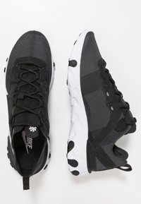 Nike Sportswear - REACT - Sneakers basse - black/white - 3