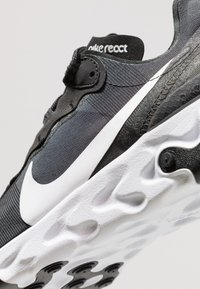 Nike Sportswear - REACT - Sneakers basse - black/white - 9