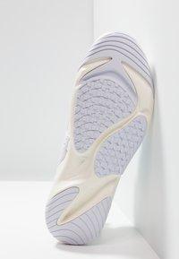 Nike Sportswear - ZOOM 2K - Zapatillas - sail/white/black - 5