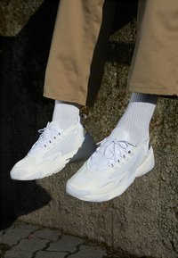 Nike Sportswear - ZOOM 2K - Joggesko - sail/white/black - 7
