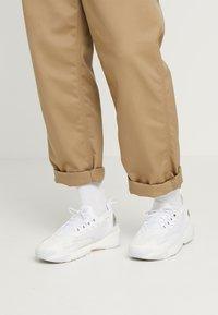 Nike Sportswear - ZOOM 2K - Zapatillas - sail/white/black - 0
