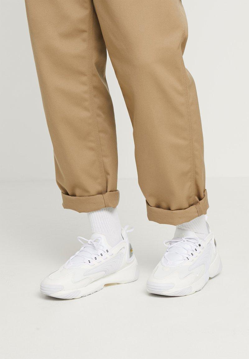 Nike Sportswear - ZOOM 2K - Zapatillas - sail/white/black