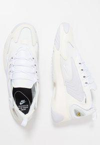 Nike Sportswear - ZOOM 2K - Zapatillas - sail/white/black - 2