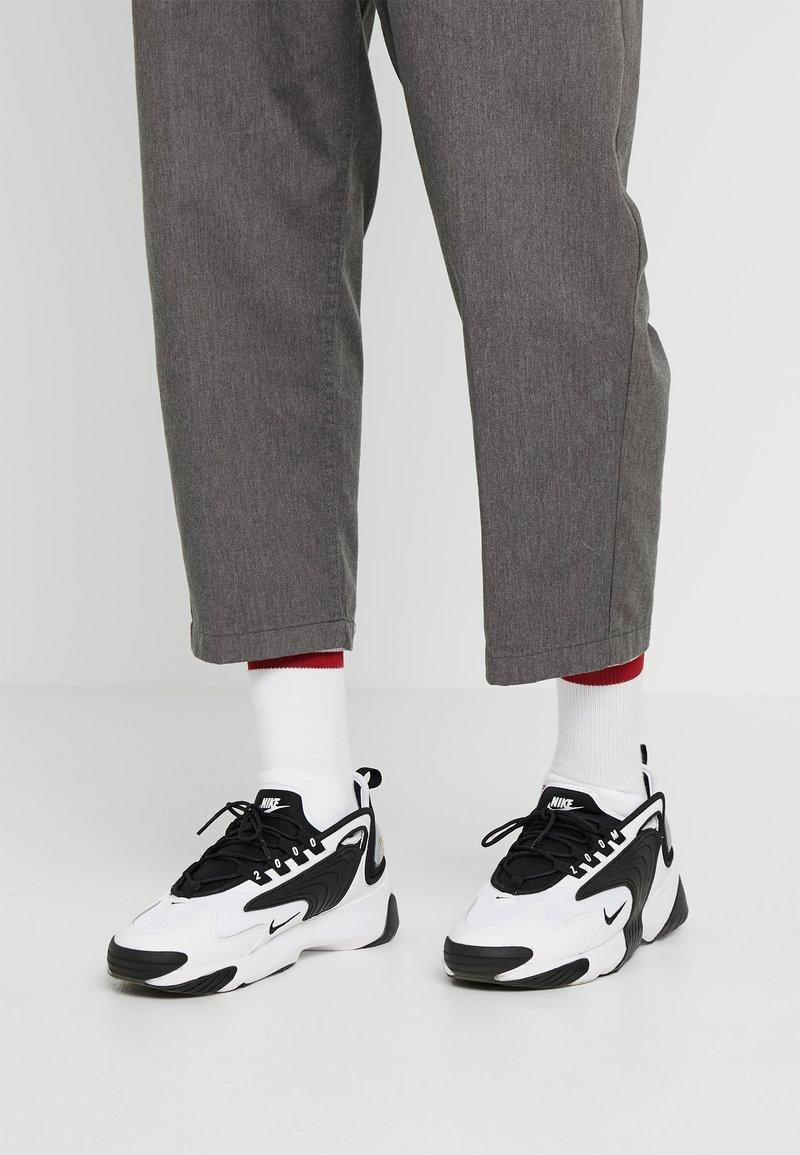 Nike Sportswear - ZOOM 2K - Tenisky - white/black