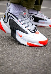 Nike Sportswear - ZOOM 2K - Sneakers - white/infrared 23/wolf grey/black - 8