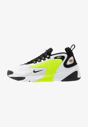 ZOOM  - Sneakersy niskie - white/black/volt