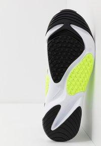 Nike Sportswear - ZOOM  - Sneakers - white/black/volt - 4