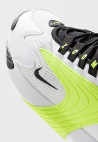 Nike Sportswear - ZOOM  - Sneakers - white/black/volt - 5