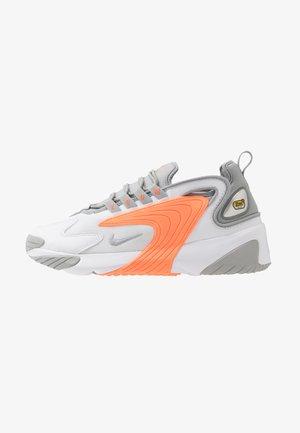 ZOOM  - Sneakers basse - white/grey/orange