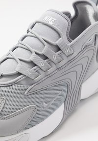 Nike Sportswear - ZOOM  - Sneakers - wolf grey/metallic silver/white - 5