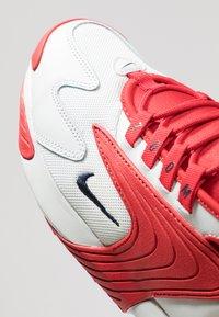 Nike Sportswear - ZOOM 2K - Sneakers - offwhite/obsidian/university red - 5