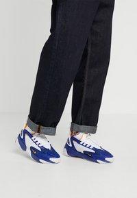 Nike Sportswear - ZOOM 2K - Sneakers - deep royal blue/orange peel/white - 0
