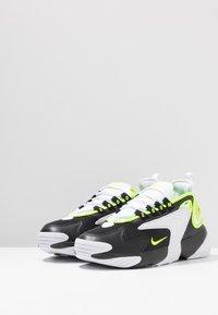 Nike Sportswear - ZOOM 2K - Sneakers - black/volt/white - 2