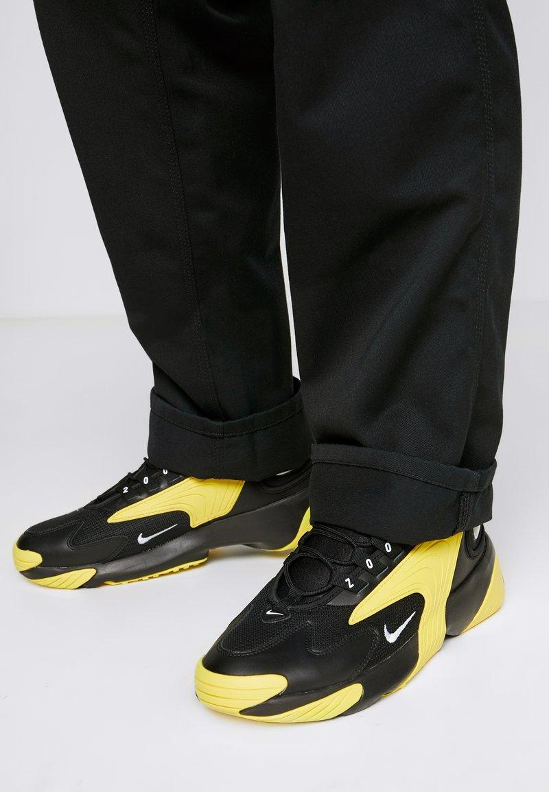 Nike Sportswear - ZOOM  - Sneakers - black/white/dynamic yellow