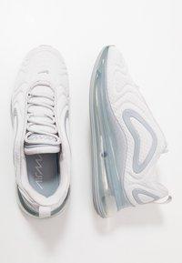 Nike Sportswear - AIR MAX 720 - Matalavartiset tennarit - vast grey/wolf grey - 1