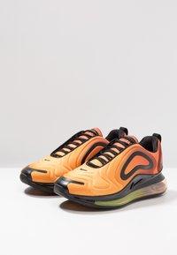 Nike Sportswear - AIR MAX 720 - Sneakers laag - team orange/university gold/black - 2