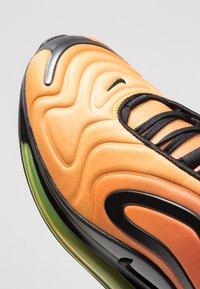 Nike Sportswear - AIR MAX 720 - Sneakers laag - team orange/university gold/black - 8