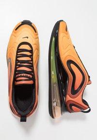 Nike Sportswear - AIR MAX 720 - Sneakers laag - team orange/university gold/black - 3