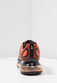 Nike Sportswear - AIR MAX 720 - Sneakers laag - team orange/university gold/black - 4