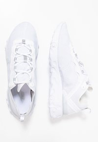 Nike Sportswear - REACT ELEMENT 55 SE - Trainers - white/pure platinum - 3