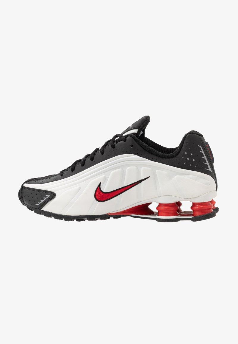 Nike Sportswear - SHOX R4 - Sneakersy niskie - platinum tint/university red/black