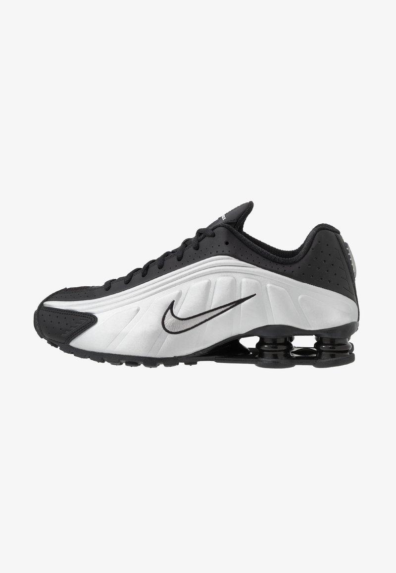 Nike Sportswear - SHOX R4 - Sneaker low - black/metallic silver/wolf grey