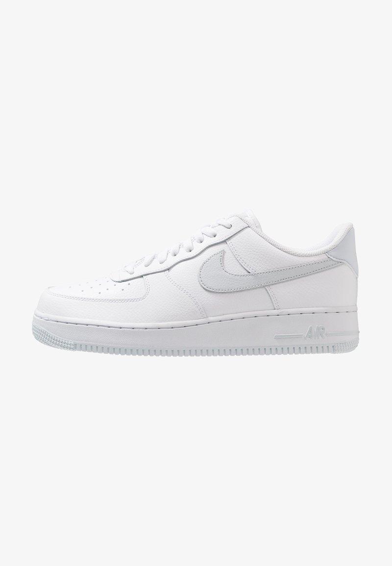 Nike Sportswear - AIR FORCE 1 '07 - Sneakers laag - white/pure platinum/metallic silver