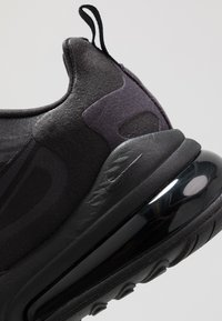 Nike Sportswear - AIR MAX 270 REACT - Tenisky - black/oil grey/white