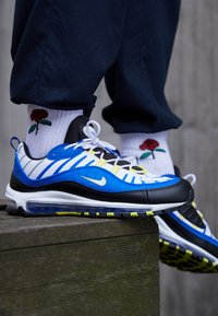 Nike Sportswear - AIR MAX 98 - Sneakersy niskie - racer blue/white/black/dynamic yellow - 7